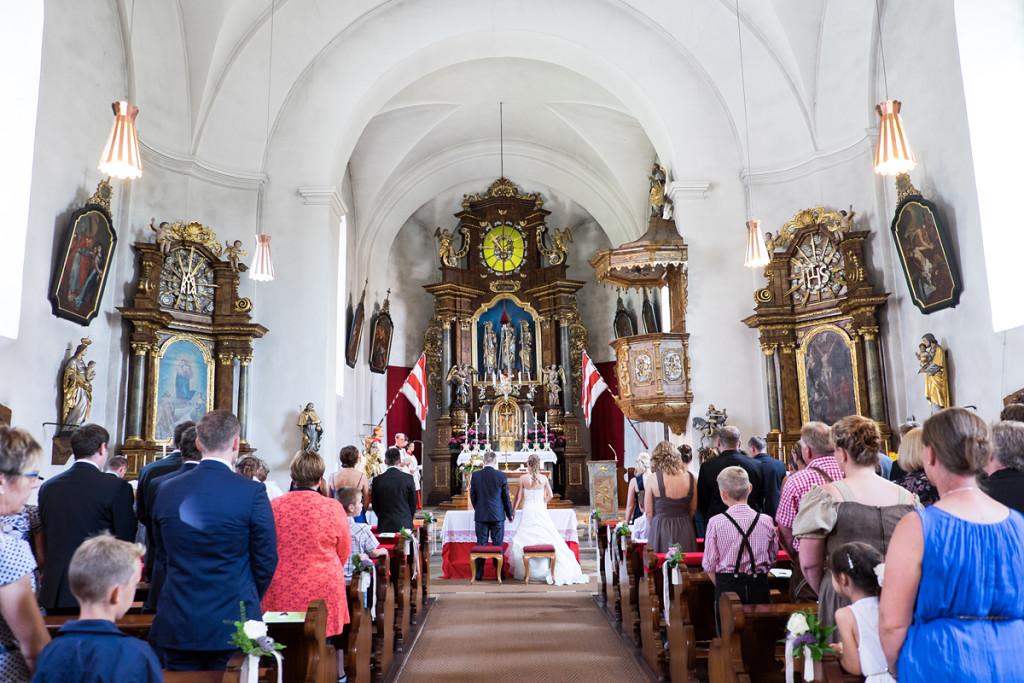 Shooting_Bayreuth_Fotograf_Pärchen_Wedding_Hochzeit_mint&sugar_Braut_Bräutigam_Kirche