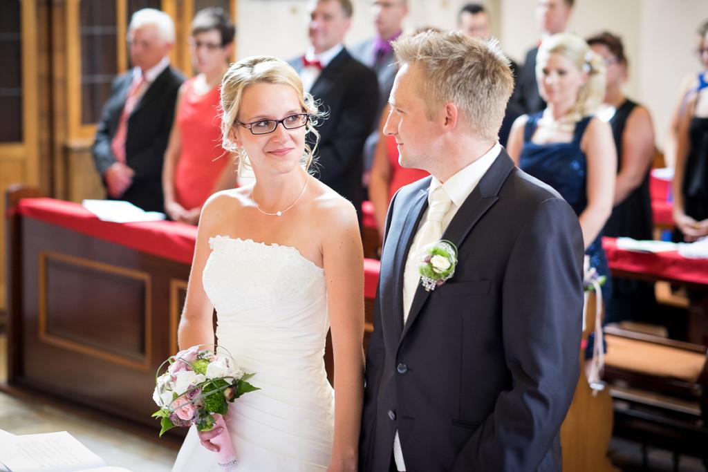 Shooting_Bayreuth_Fotograf_Pärchen_Wedding_Hochzeit_mint&sugar_Braut_Kirche_Ehe