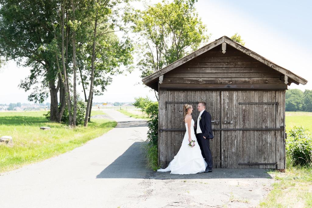 Shooting_Bayreuth_Fotograf_Pärchen_Wedding_Hochzeit_mint&sugar_Braut_Scheune