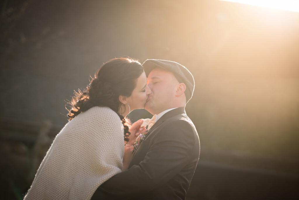 Bride_Kiss_Hochzeitsfotografie