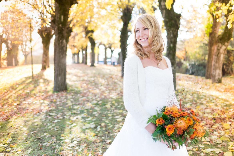 Ungewöhnlich Brautkleider Für Hochzeit Im Herbst Zeitgenössisch ...