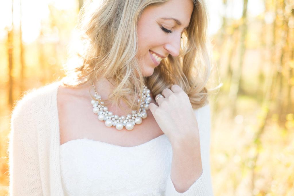 wedding-braut-brautkleid-herbst-mintsugar-brautstrauss-hochzeitskleid-fotografie-bayreuth-goldkronach-portrait-hochzeitsshooting-bride-abendlicht-mintsugarfoto