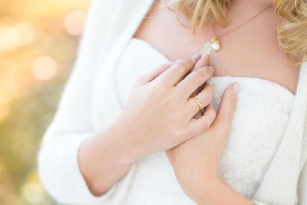 wedding-braut-brautkleid-herbst-mintsugar-brautstrauss-hochzeitskleid-fotografie-bayreuth-goldkronach-portrait-hochzeitsshooting-portraet